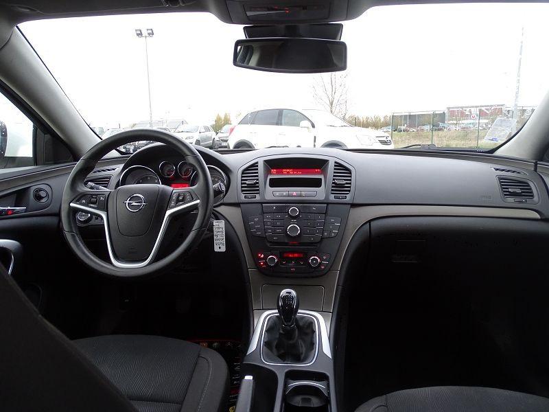 Photo 15 de l'offre de OPEL INSIGNIA 2.0 CDTI160 FAP COSMO 5P à 9490€ chez International Auto Auneau