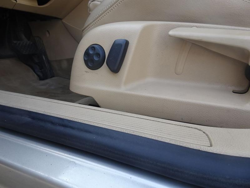 Photo 14 de l'offre de VOLKSWAGEN PASSAT SW 2.0 TDI 170CH DPF CARAT DSG6 à 7790€ chez International Auto Auneau
