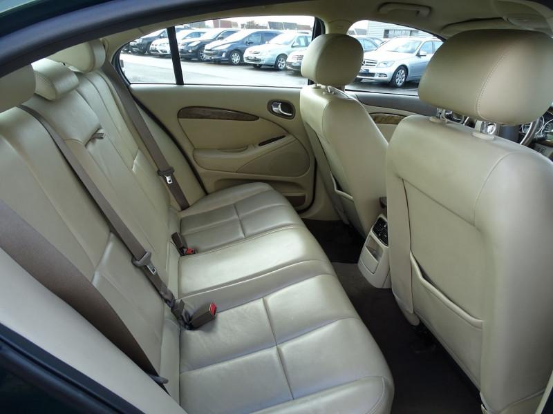 Photo 12 de l'offre de JAGUAR S-TYPE 2.7D BI-TURBO CLASSIQUE BA à 7890€ chez International Auto Auneau