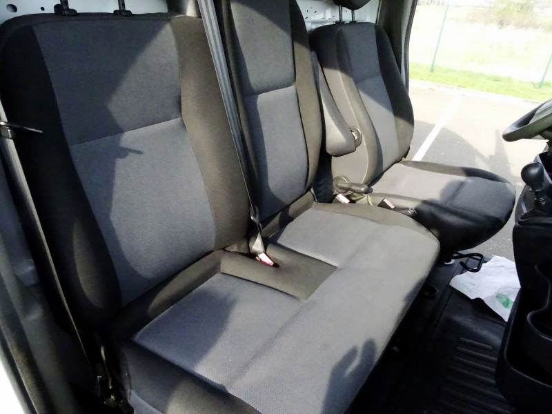 Photo 5 de l'offre de RENAULT TRUCKS MASTER FG 125.35 FG L3H2 à 11490€ chez International Auto Auneau