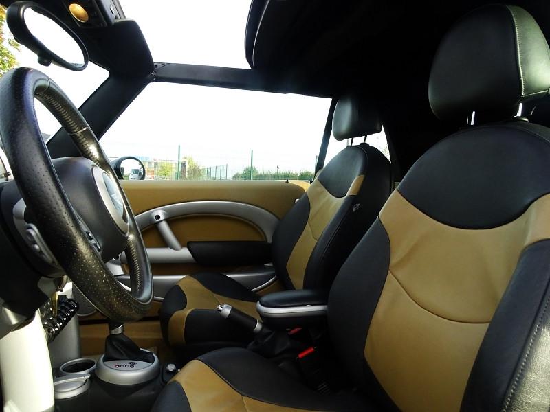Photo 6 de l'offre de MINI CABRIO COOPER S 170CH SIDEWALK à 9890€ chez International Auto Auneau