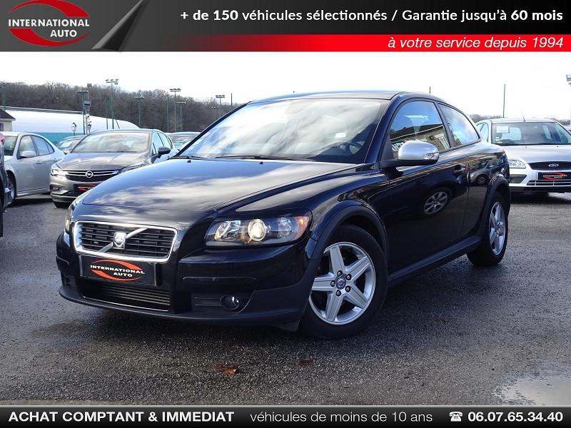 Photo 1 de l'offre de VOLVO C30 1.6 D 110CH DRIVE KINETIC à 8490€ chez International Auto Auneau