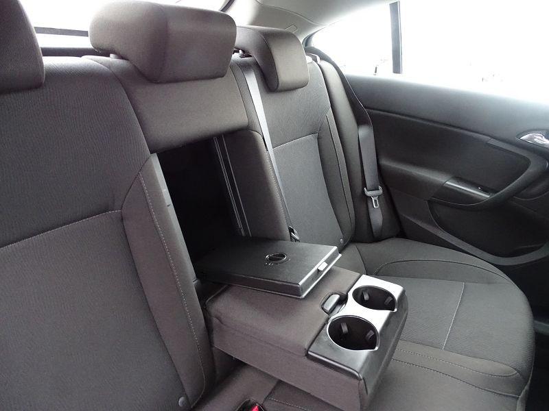 Photo 14 de l'offre de OPEL INSIGNIA 2.0 CDTI160 FAP COSMO 5P à 9490€ chez International Auto Auneau