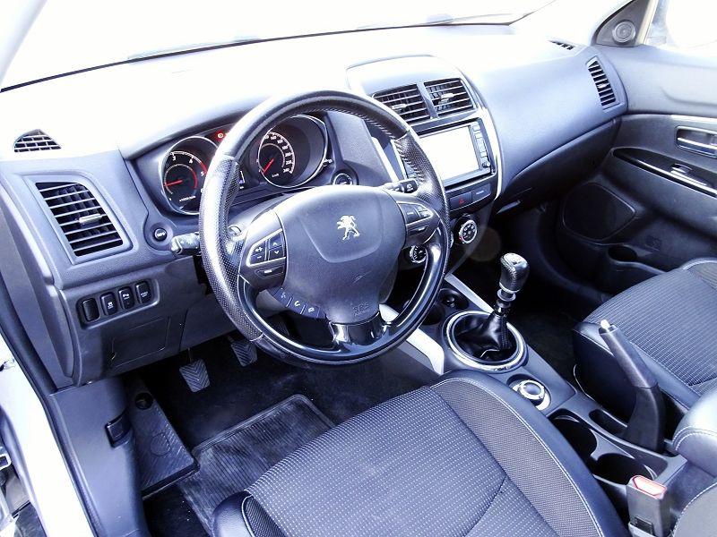 Photo 6 de l'offre de PEUGEOT 4008 1.8 HDI150 FAP STT 4WD à 12490€ chez International Auto Auneau