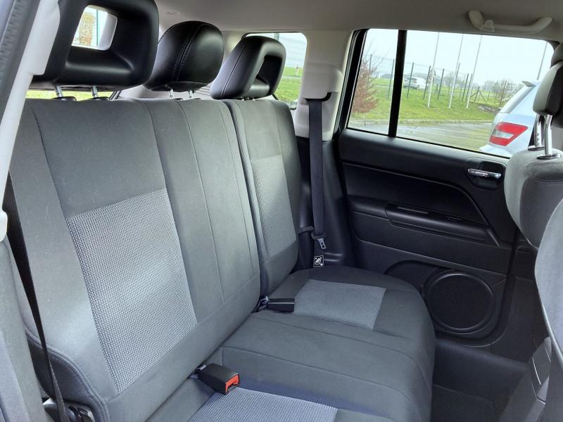 Photo 9 de l'offre de JEEP COMPASS 2.2 CRD 163 FAP SPORT 4X4 à 9890€ chez International Auto Auneau