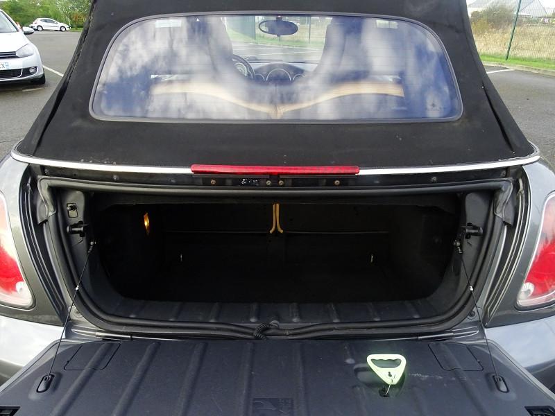 Photo 17 de l'offre de MINI CABRIO COOPER S 170CH SIDEWALK à 9890€ chez International Auto Auneau