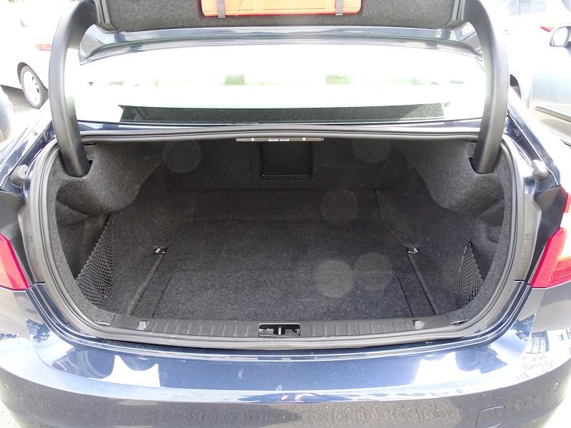 Photo 6 de l'offre de VOLVO S60 D2 115CH START&STOP MOMENTUM POWERSHIFT à 9690€ chez International Auto Auneau