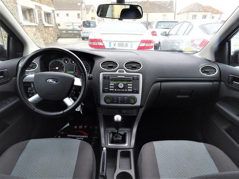 Photo 8 de l'offre de FORD FOCUS SW 1.6 TI-VCT 115CH TREND à 4790€ chez International Auto Auneau