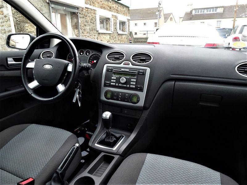 Photo 10 de l'offre de FORD FOCUS SW 1.6 TI-VCT 115CH TREND à 4790€ chez International Auto Auneau