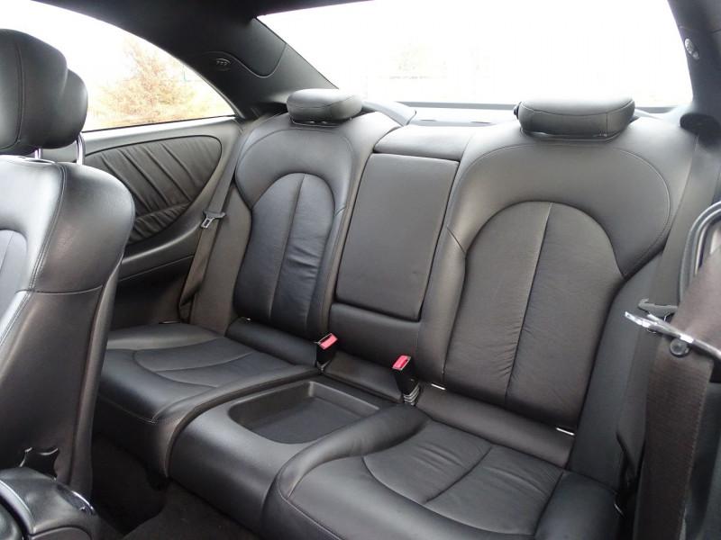 Photo 9 de l'offre de MERCEDES-BENZ CLASSE CLK (C209) 320 CDI AVANTGARDE 7GTRO à 9890€ chez International Auto Auneau