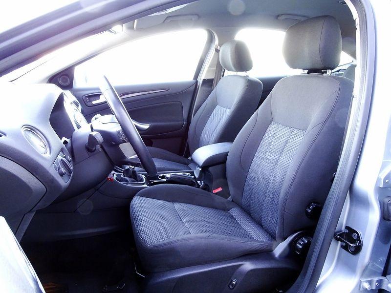 Photo 7 de l'offre de FORD MONDEO 1.8 TDCI 125CH GHIA 5P à 7190€ chez International Auto Auneau