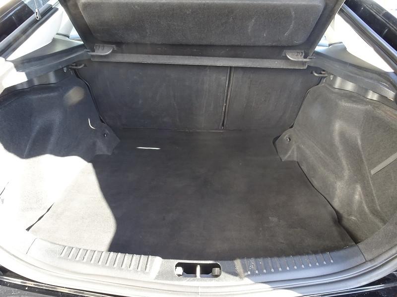 Photo 14 de l'offre de FORD MONDEO 1.8 TDCI 125CH TITANIUM 5P à 6790€ chez International Auto Auneau