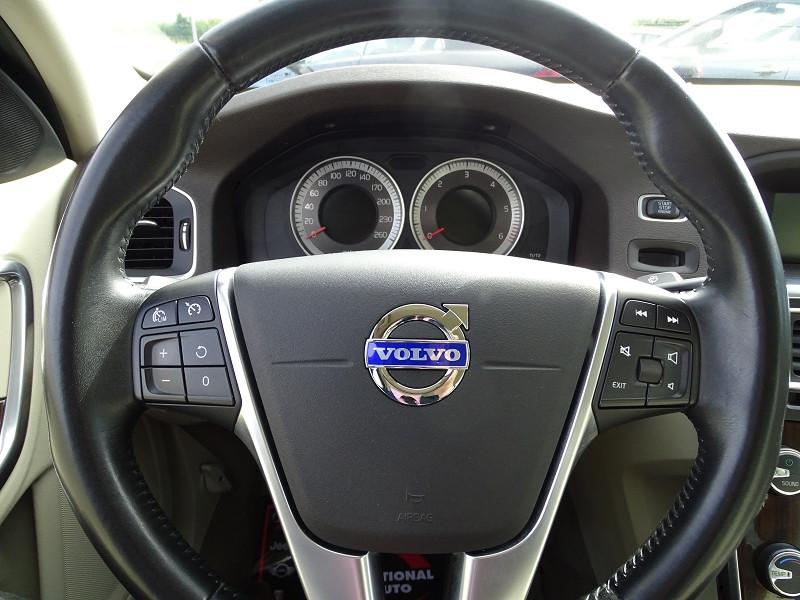 Photo 17 de l'offre de VOLVO S60 D2 115CH START&STOP MOMENTUM POWERSHIFT à 9690€ chez International Auto Auneau