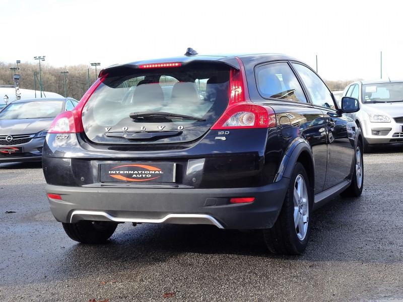 Photo 2 de l'offre de VOLVO C30 1.6 D 110CH DRIVE KINETIC à 8490€ chez International Auto Auneau