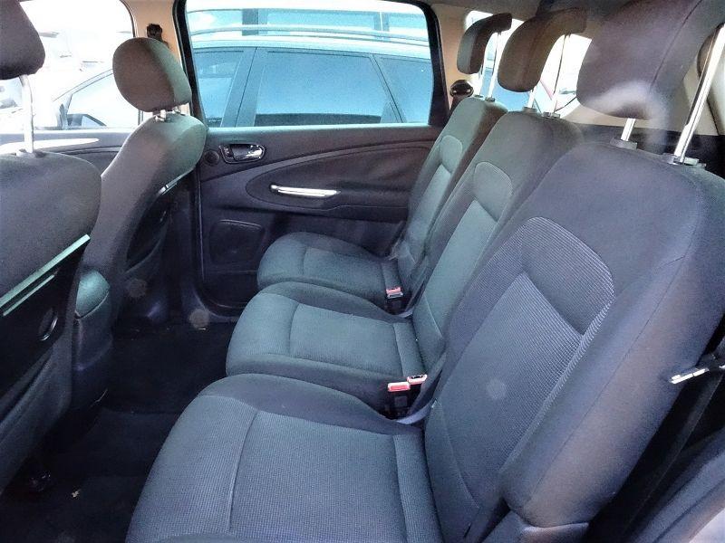 Photo 8 de l'offre de FORD S-MAX 2.0 TDCI 140CH TITANIUM à 6690€ chez International Auto Auneau