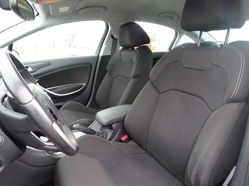 Photo 4 de l'offre de CITROEN C5 1.6 HDI110 DYNAMIQUE à 6990€ chez International Auto Auneau