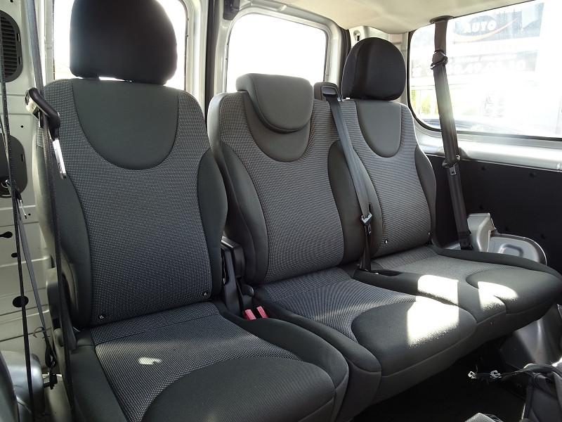Photo 8 de l'offre de FIAT SCUDO PANORAMA CH1 1.6 MULTIJET 16V 8/9 PLACES à 11990€ chez International Auto Auneau
