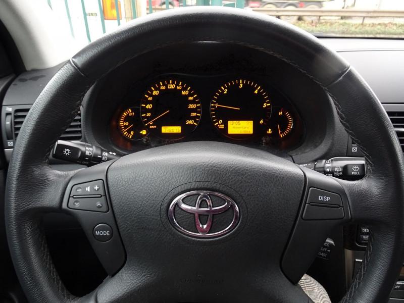Photo 13 de l'offre de TOYOTA AVENSIS 126 D-4D TECHNO PACK 5P à 5890€ chez International Auto Auneau