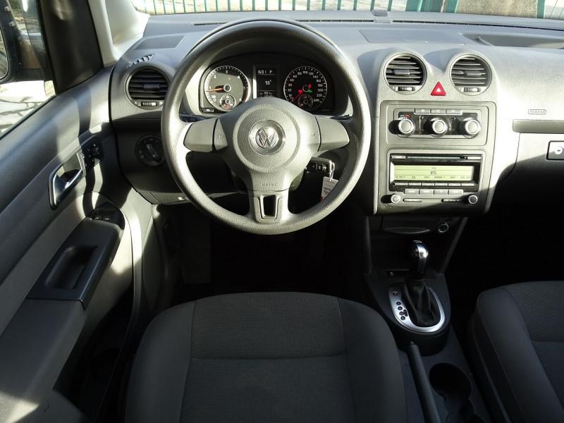 Photo 11 de l'offre de VOLKSWAGEN CADDY MAXI 1.6 TDI 102CH FAP TRENDLINE DSG7 à 12990€ chez International Auto Auneau