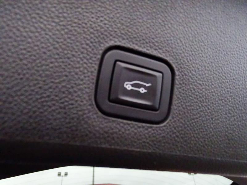 Photo 19 de l'offre de CADILLAC SRX 3.0 V6 AWD SPORT LUXURY  BA à 23490€ chez International Auto Auneau