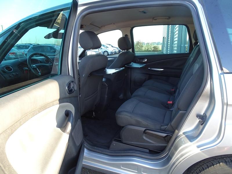 Photo 5 de l'offre de FORD S-MAX 2.0 TDCI 140CH TITANIUM à 6690€ chez International Auto Auneau