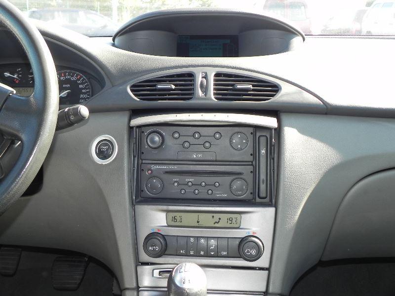 Photo 8 de l'offre de RENAULT LAGUNA II 2.2 DCI 150CH PRIVILEGE à 2990€ chez International Auto Auneau