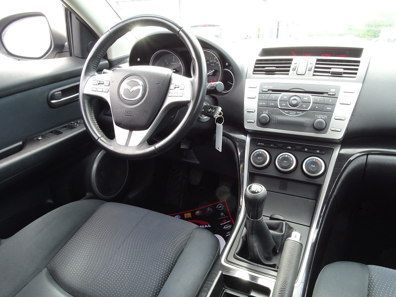 Photo 16 de l'offre de MAZDA MAZDA 6 2.2 MZR-CD125 ELEGANCE 5P à 7890€ chez International Auto Auneau