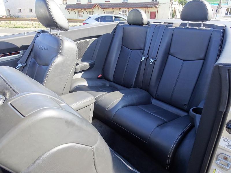 Photo 9 de l'offre de CHRYSLER SEBRING CABRIOLET 2.0 CRD LIMITED TOIT RIGIDE à 8690€ chez International Auto Auneau