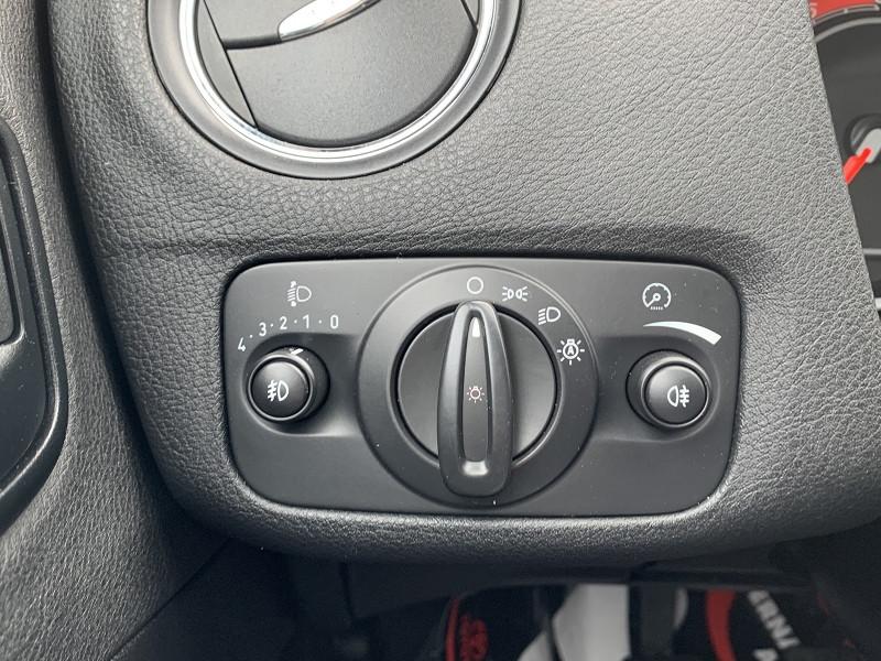 Photo 8 de l'offre de FORD MONDEO 1.8 TDCI 125CH TITANIUM 5P à 6790€ chez International Auto Auneau