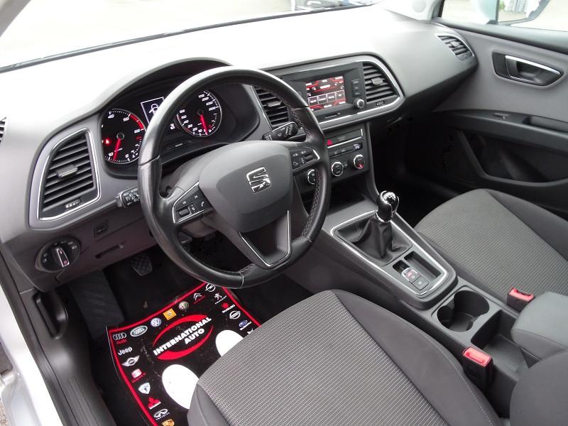 Photo 6 de l'offre de SEAT LEON ST 1.6 TDI 115CH FAP STYLE à 10990€ chez International Auto Auneau