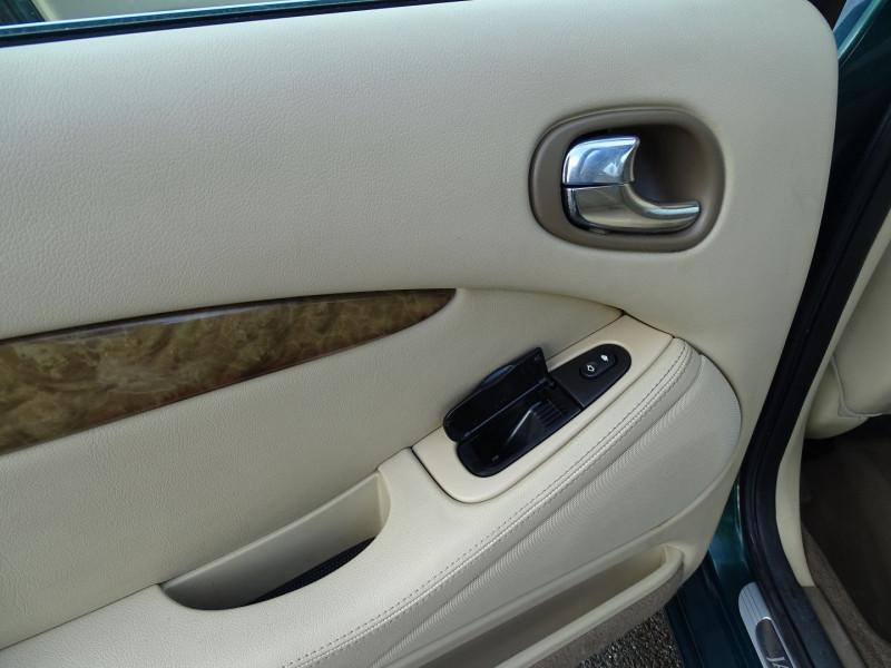 Photo 17 de l'offre de JAGUAR S-TYPE 2.7D BI-TURBO CLASSIQUE BA à 7890€ chez International Auto Auneau