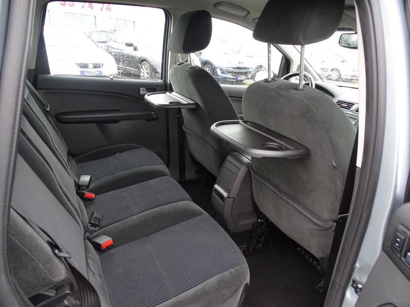 Photo 8 de l'offre de FORD C-MAX 1.8 125CH GHIA à 3990€ chez International Auto Auneau