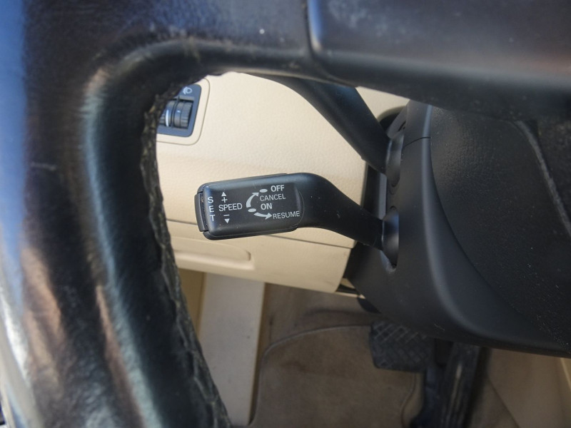Photo 13 de l'offre de VOLKSWAGEN PASSAT SW 2.0 TDI 170CH DPF CARAT DSG6 à 7790€ chez International Auto Auneau