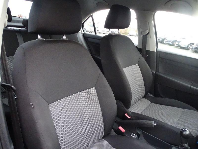 Photo 12 de l'offre de SEAT TOLEDO 1.2 TSI 105CH REFERENCE à 8490€ chez International Auto Auneau