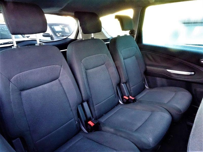 Photo 7 de l'offre de FORD S-MAX 2.0 TDCI 140CH TITANIUM à 6690€ chez International Auto Auneau