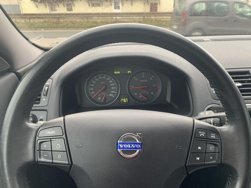 Photo 9 de l'offre de VOLVO C30 1.6 D 110CH DRIVE KINETIC à 8490€ chez International Auto Auneau