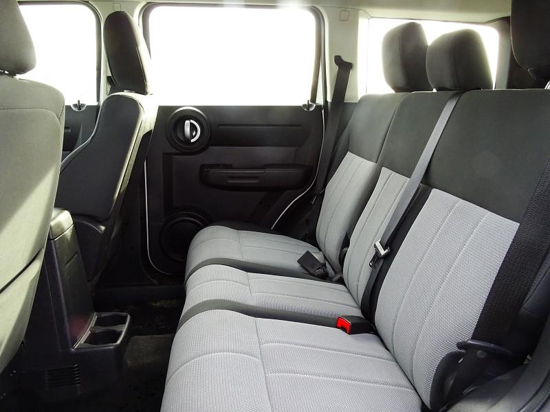 Photo 5 de l'offre de DODGE NITRO 2.8 CRD R/T 4X4 BAUTO à 11890€ chez International Auto Auneau