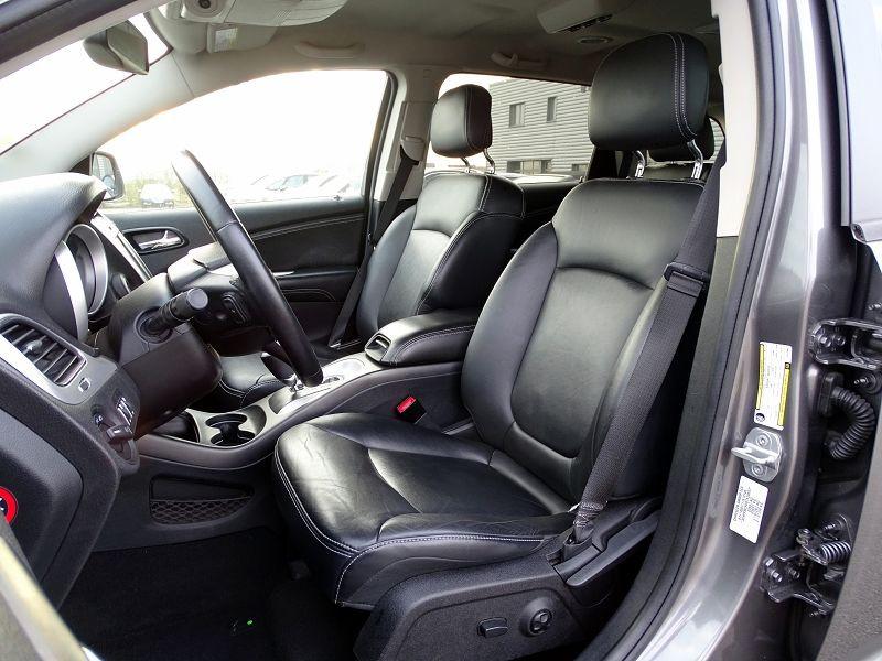 Photo 7 de l'offre de FIAT FREEMONT 2.0 MULTIJET 16V 170CH LOUNGE AWD BVA à 14990€ chez International Auto Auneau