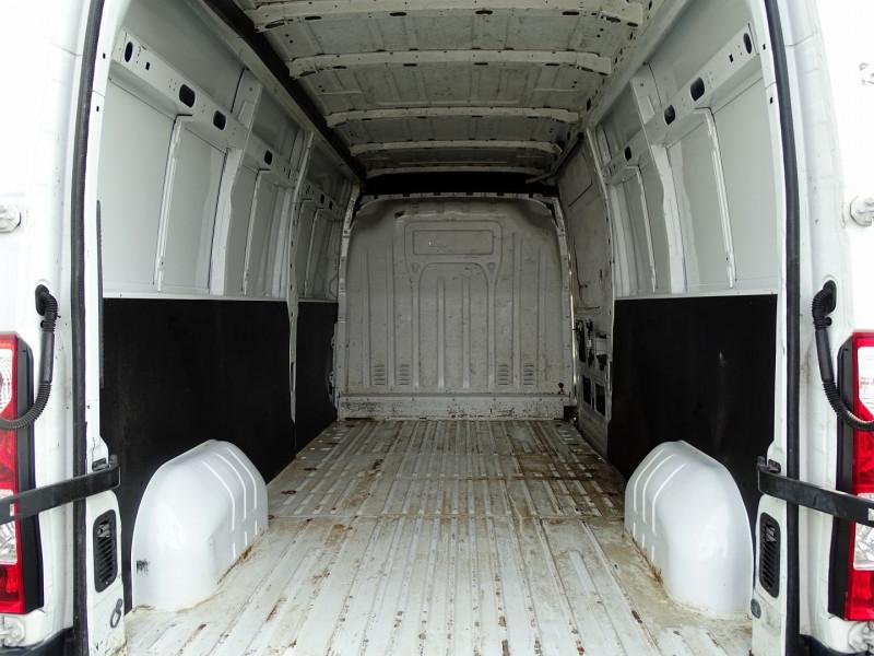 Photo 3 de l'offre de RENAULT TRUCKS MASTER FG 125.35 FG L3H2 à 11490€ chez International Auto Auneau
