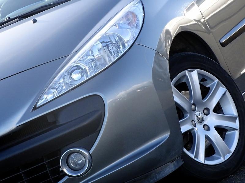 Photo 3 de l'offre de PEUGEOT 207 CC 1.6 VTI 16V SPORT à 5990€ chez International Auto Auneau