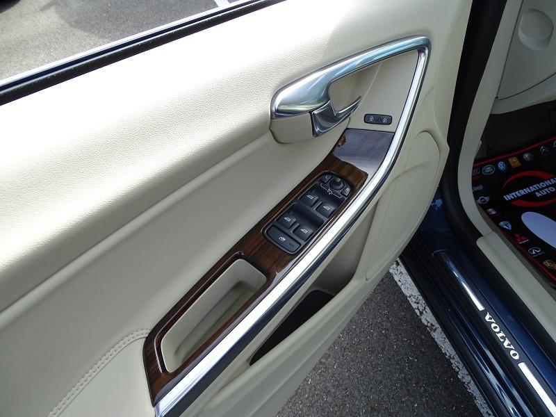 Photo 9 de l'offre de VOLVO S60 D2 115CH START&STOP MOMENTUM POWERSHIFT à 9690€ chez International Auto Auneau