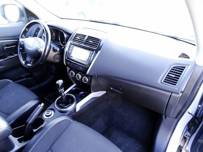 Photo 18 de l'offre de PEUGEOT 4008 1.8 HDI150 FAP STT 4WD à 12490€ chez International Auto Auneau