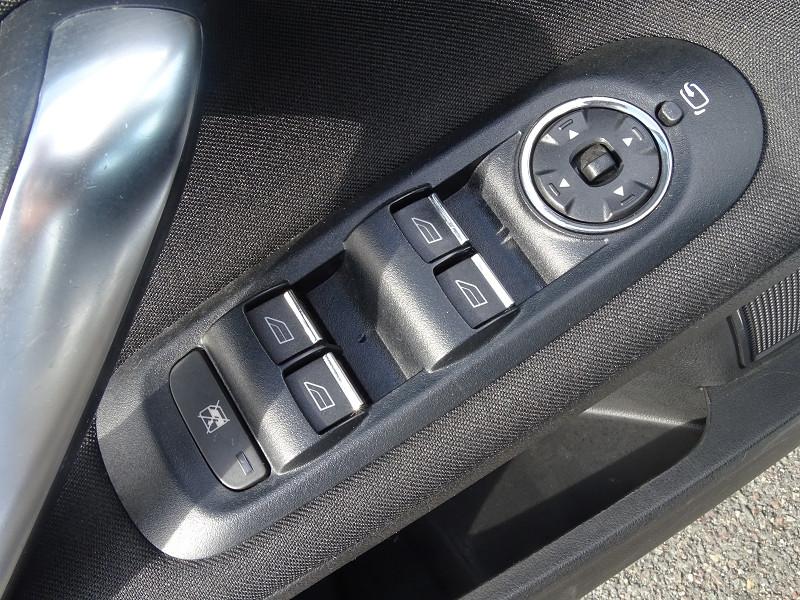 Photo 3 de l'offre de FORD MONDEO 1.8 TDCI 125CH GHIA 5P à 7190€ chez International Auto Auneau