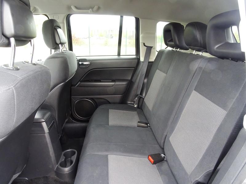 Photo 7 de l'offre de JEEP COMPASS 2.2 CRD 163 FAP SPORT 4X4 à 9890€ chez International Auto Auneau