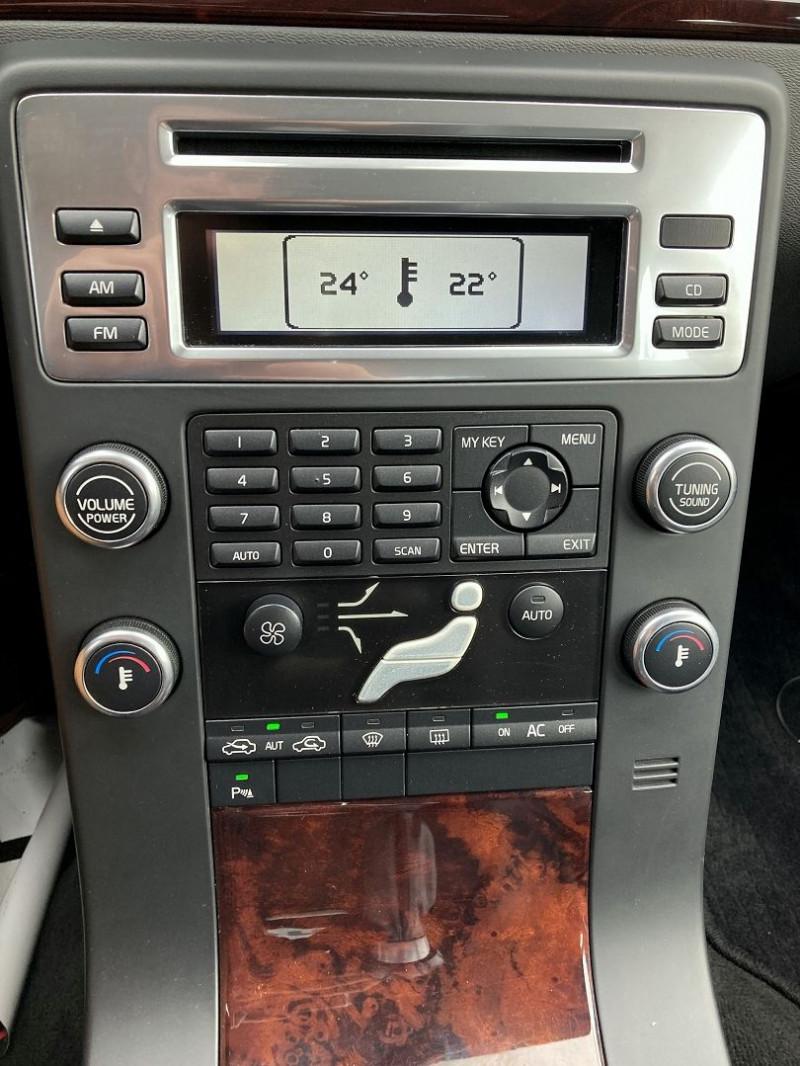 Photo 14 de l'offre de VOLVO S80 2.0 D 136CH MOMENTUM à 8490€ chez International Auto Auneau
