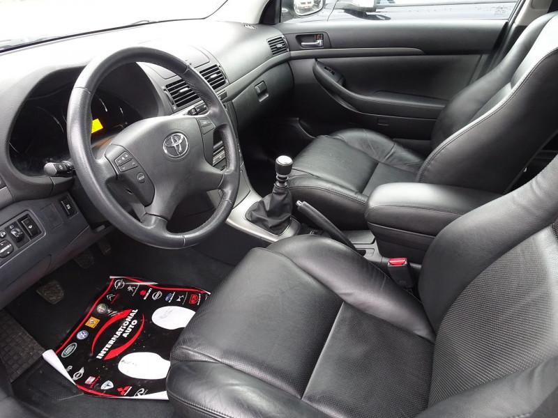 Photo 3 de l'offre de TOYOTA AVENSIS 126 D-4D TECHNO PACK 5P à 5890€ chez International Auto Auneau