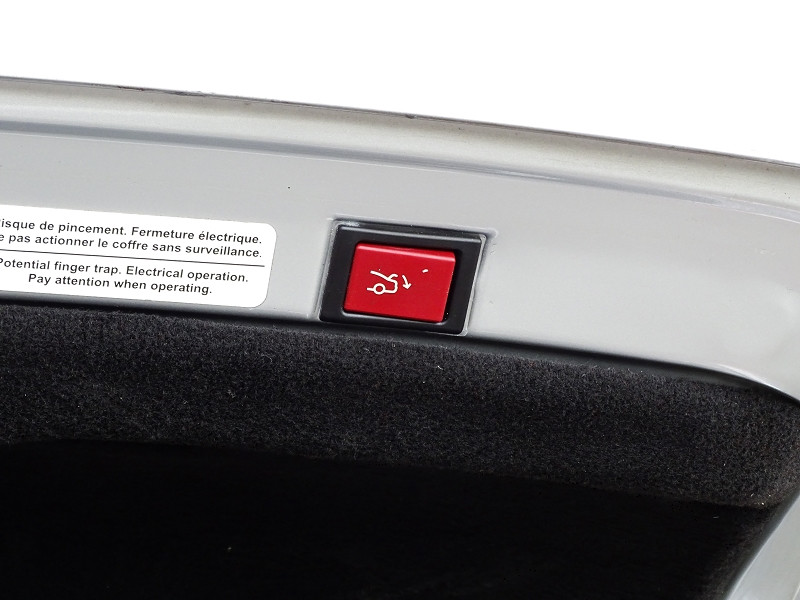 Photo 17 de l'offre de PEUGEOT 607 2.0 HDI136 FELINE FAP à 6790€ chez International Auto Auneau