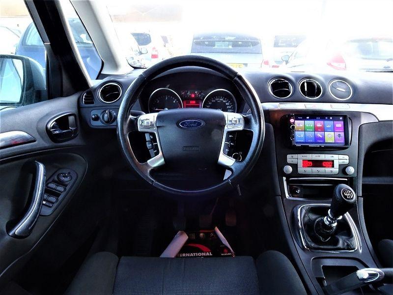 Photo 11 de l'offre de FORD S-MAX 2.0 TDCI 140CH TITANIUM à 6690€ chez International Auto Auneau
