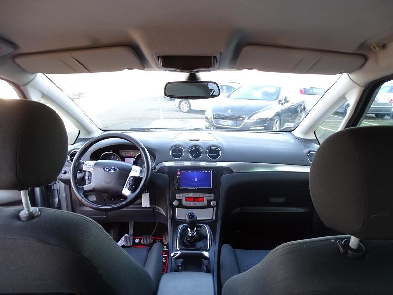 Photo 4 de l'offre de FORD S-MAX 2.0 TDCI 140CH TITANIUM à 6690€ chez International Auto Auneau