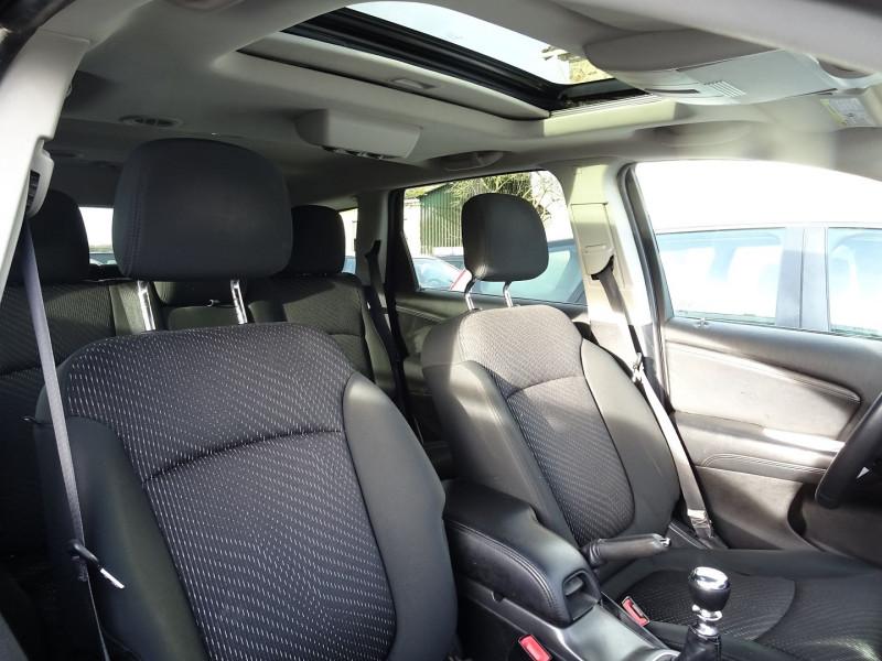 Photo 10 de l'offre de FIAT FREEMONT 2.0 MULTIJET 16V 170CH URBAN à 12990€ chez International Auto Auneau